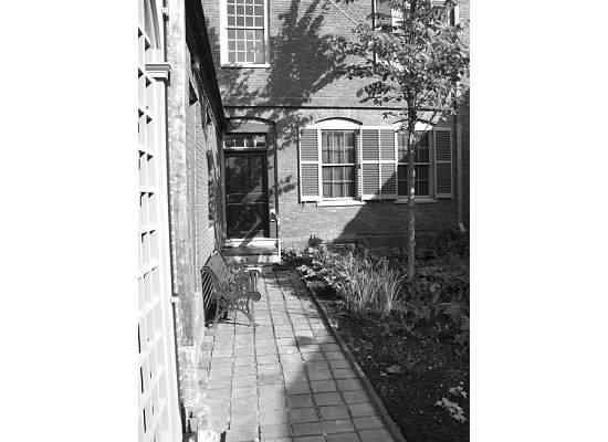 Wadsworth Longfellow House black and white rear